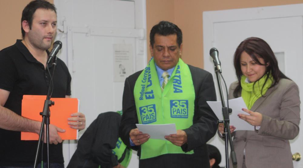 Santiago Escobar entrega Mandato Popular a Alex Guamán y Ximena Peña